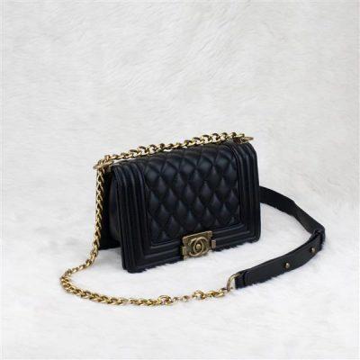 Túi xách Chanel Boy